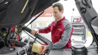 Linde Service Techniker am Fahrzeug