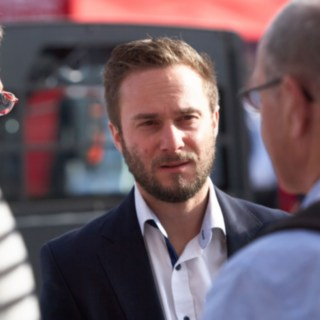 Alexander Schmidt und Fabian Scherer im Gespräch mit Messebesuchern der Inter Aiport 2017