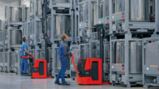 Hochhubwagen von Linde Material Handling messen das Gewicht der Ladung
