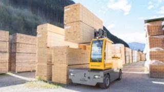Seitenstapler für Holztransport