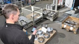 Maschinenführer priorisiert Fahrauftrag via Truck Call-App